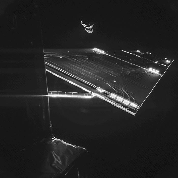 Rosetta_mission_selfie_comet_