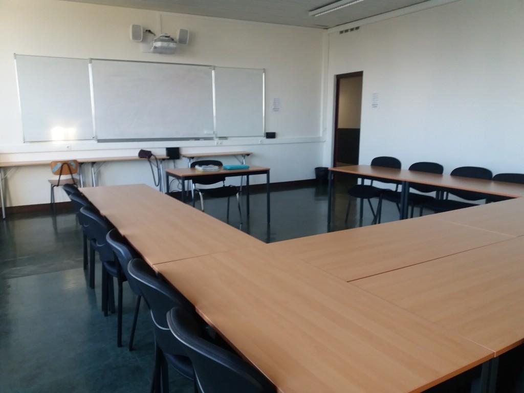 image de salle de classe vide
