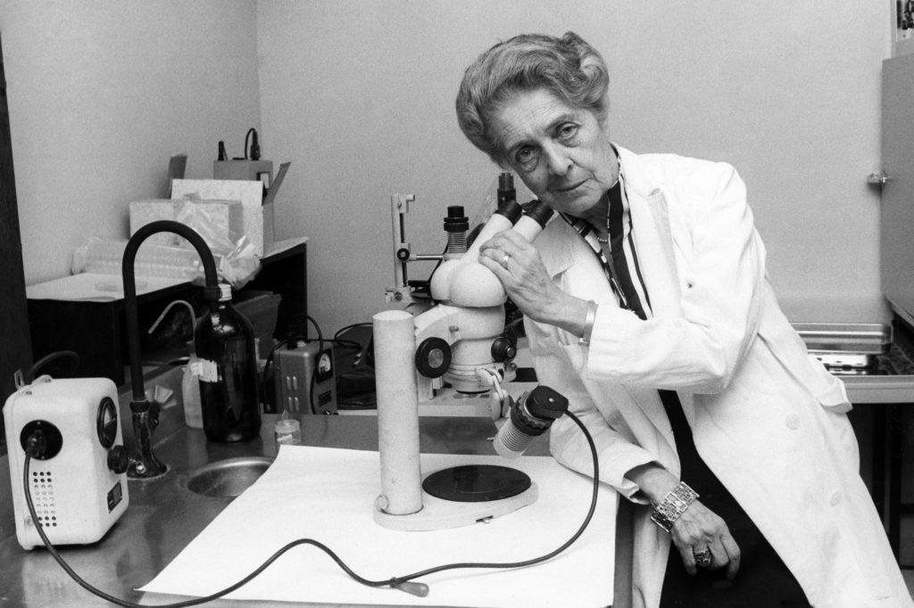 femme dans la recherche scientifique
